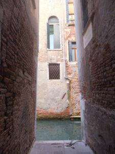 Venise,ruelle cul de sac, canaux