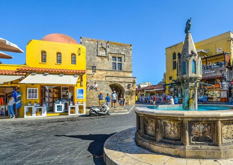 globe travel voyage Grèce sur mesure, à la carte