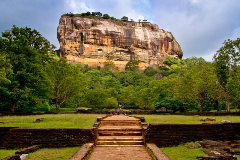 Sri Lanka voyage, sirigiya, visites, lieux sacrés, circuit, voyage sur mesure sri lanka, globe travel