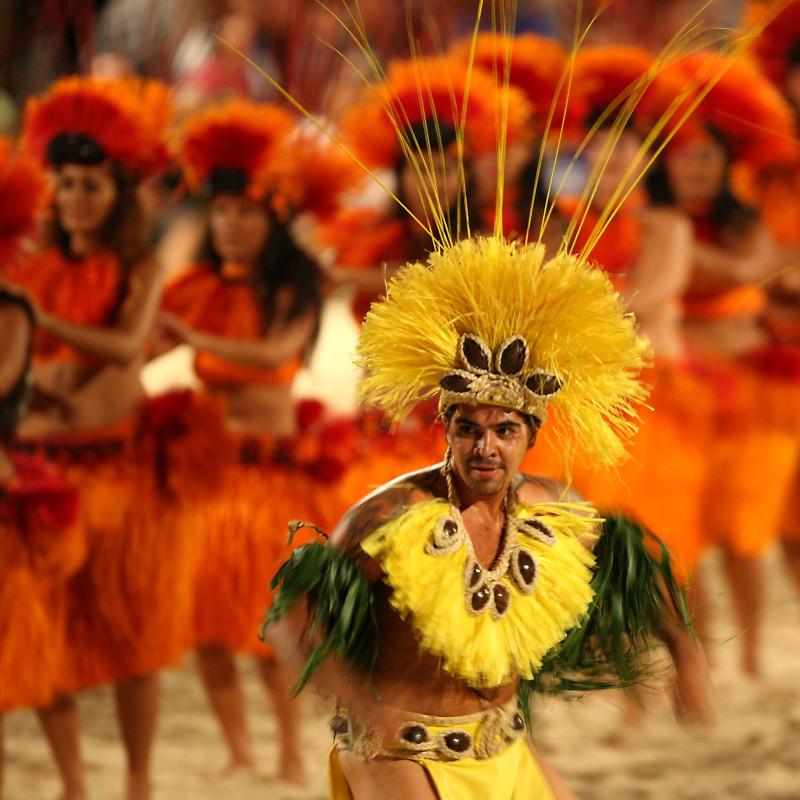globe-travel-voyage-polynesie-danse-traditionnelle