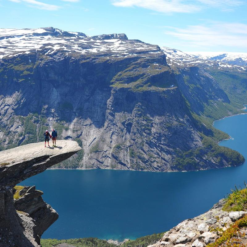 globe-travel-voyage-norvege-trolltunga