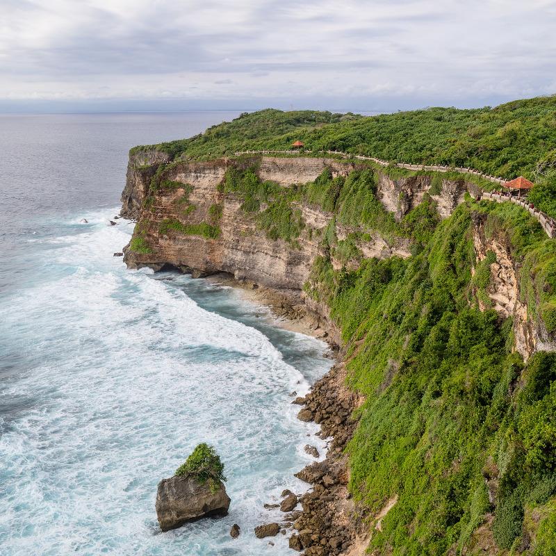 globe-travel-voyage-uluwatu-bali