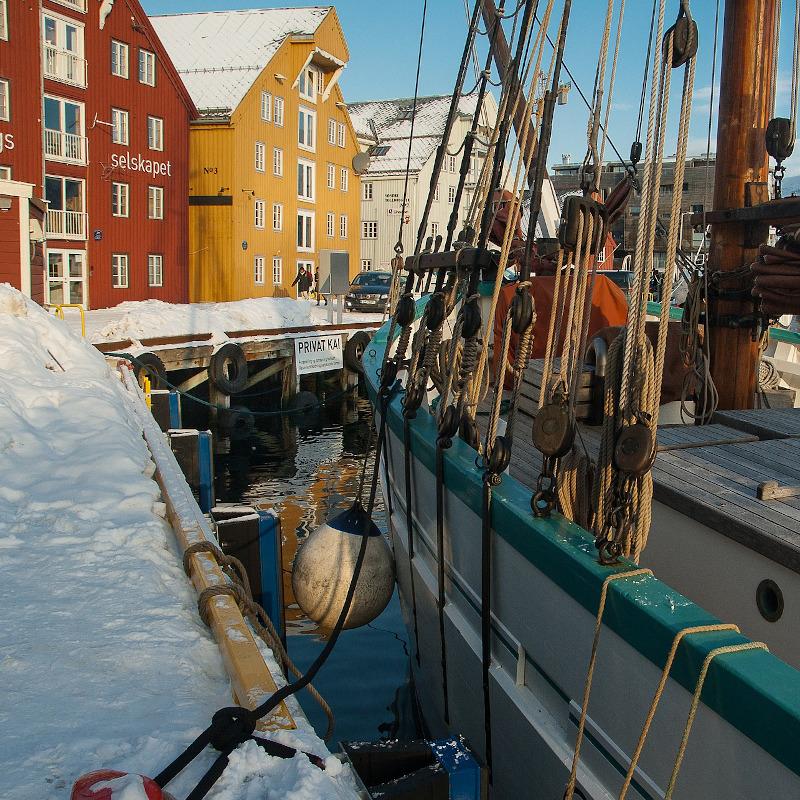 globe-travel-voyage-norvege-tromso